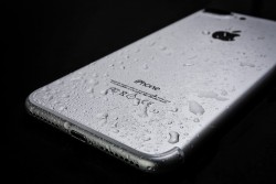 10 ways to get water out of your phone